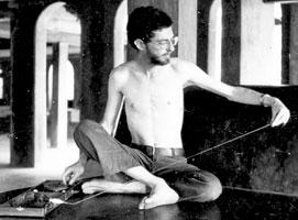 Charkha Tips (Spinning Cotton, Handspinning, Mahatma Gandhi, Khadi)